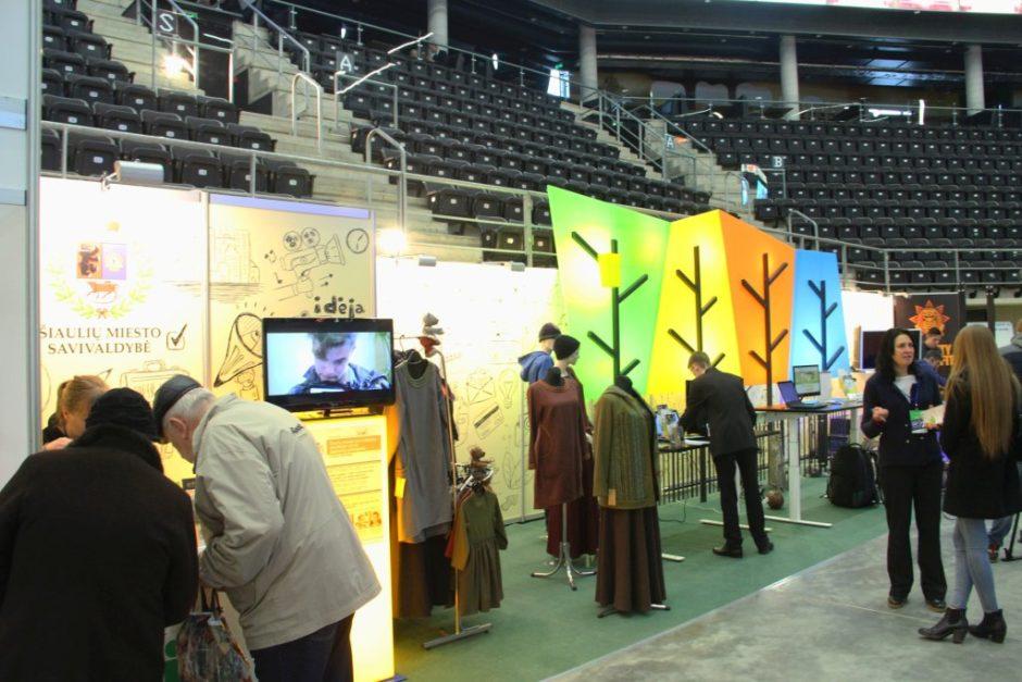 Parodos stende – jaunimo verslo pristatymas