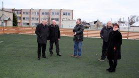 """Prie """"Kražantės"""" progimnazijos – atnaujinta sporto aikštelė"""