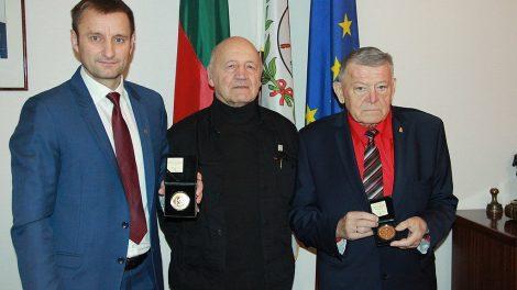 Šiaulių merui – proginis pasaulio čempiono medalis