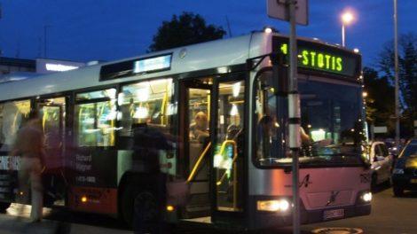 Per didžiąsias metų šventes viešasis transportas važiuos ilgiau