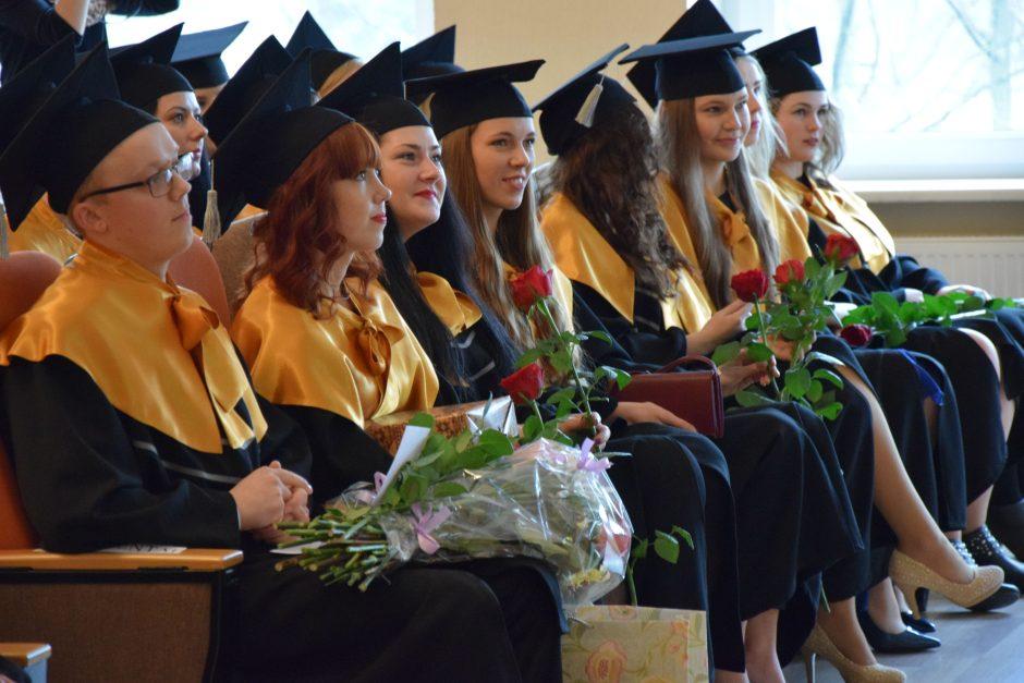 ŠVK absolventės: po diplomų įteikimo – iškart į darbą