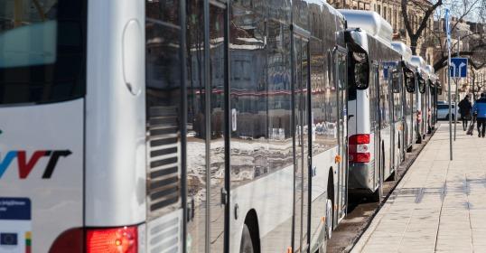 Nuo vasario 1 d. keičiami kai kurių viešojo transporto maršrutų eismo tvarkaraščiai