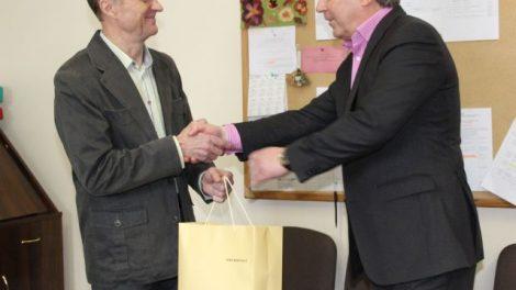 Kėdainių rajono meras S. Grinkevičius pasveikino nusipelniusi mokytoją R. Kaselį