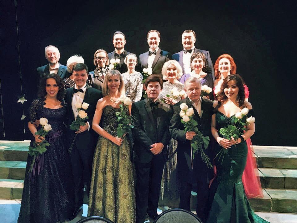 """Balandžio 13 d. teatre – operos tenoro T. Pavilionio koncertas """"Įsimylėjęs kareivis"""""""