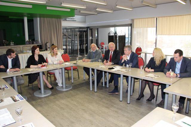 Kėdainių rajono vadovai ir verslininkai kartu ieško galimybių, kaip pritraukti žmones į Kėdainius