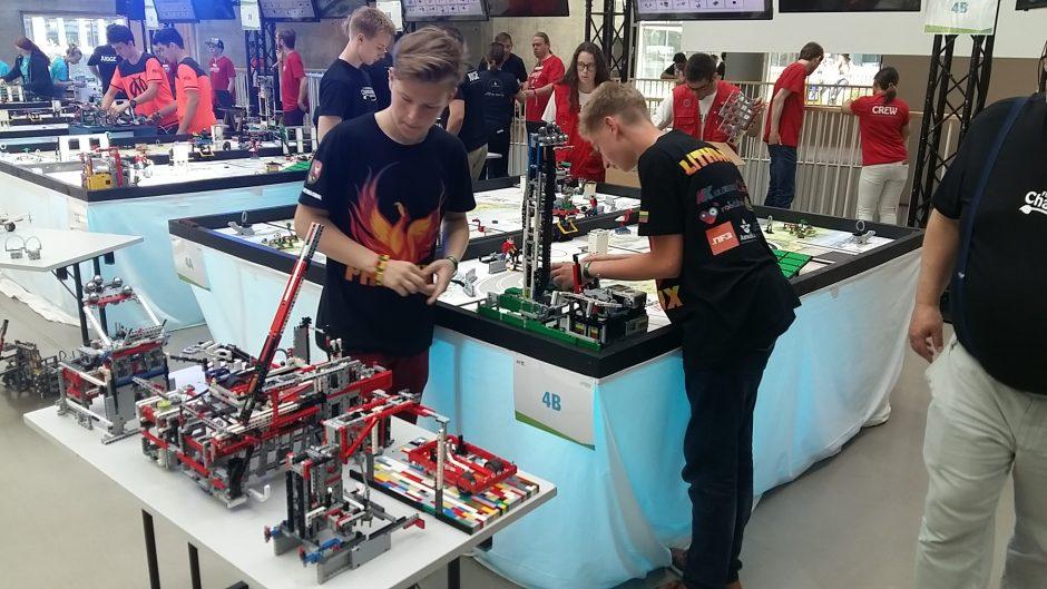 Lietuvos čempionus Europos robotikos čempionate palaikė ir Lietuvos ambasadorė Danijoje
