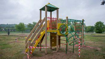 Kauniečių vaikams – naujos vaikų žaidimo aikštelės
