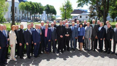 Žemaičių vyskupystei – 600. Telšių vyskupijos kurijoje – 14 savivaldybių vadovų susitikimas