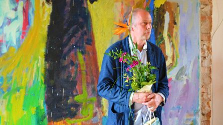 Panemunės pilyje atidaryta jubiliejinė tapytojo Justino Vaitiekūno darbų paroda