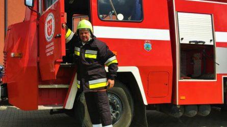 Viešvilės savanorių ugniagesių rinktinę papildė nauji nariai