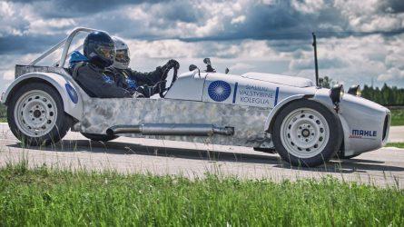 Šiaulių studentų baigiamasis projektas – sportinis automobilis