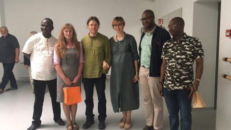 """Kūrybinių industrijų centrą """"Taurapilis"""" aplankė delegacija iš Malio"""