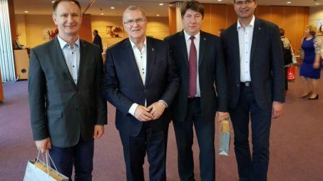 Kėglių turnyre Akmenės Savivaldybės delegaciją lydėjo sėkmė
