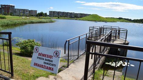 Mažeikių miesto stadiono tvenkinyje bus pažemintas vandens lygis