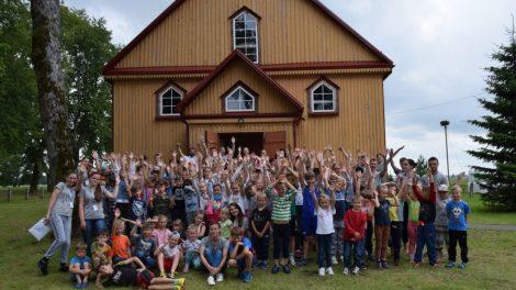 Batakiuose atidaryta krikščioniška vaikų ir jaunimo stovykla