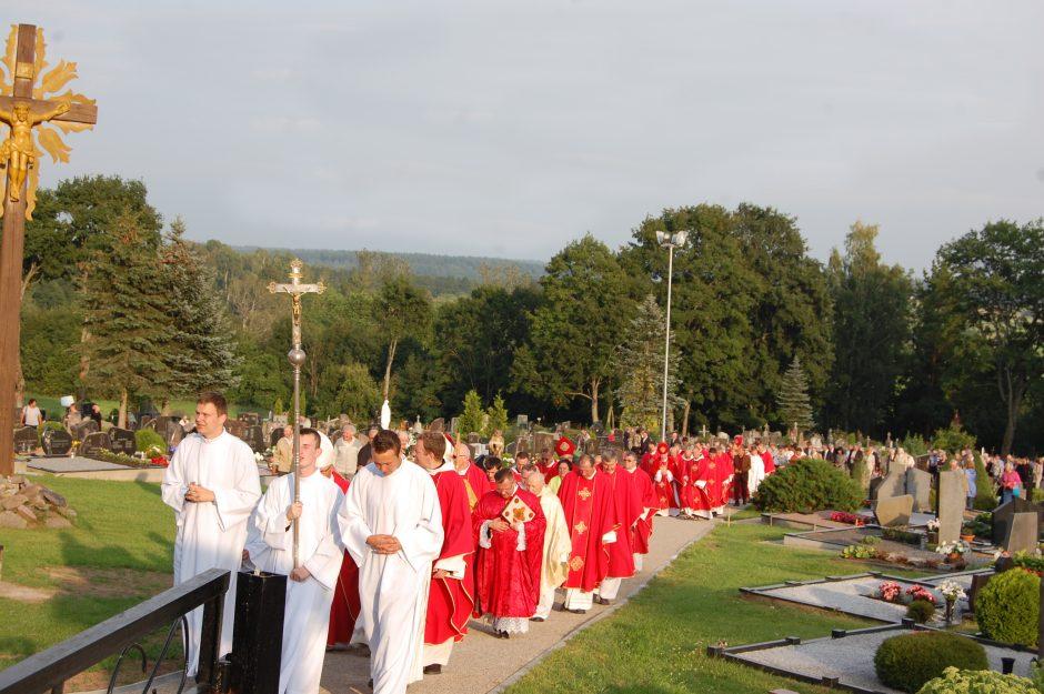 Kudoriškio kaime (Skiemonių sen.) pašventintas kryžius Palaimintajam kankiniui Teofiliui Matulioniui