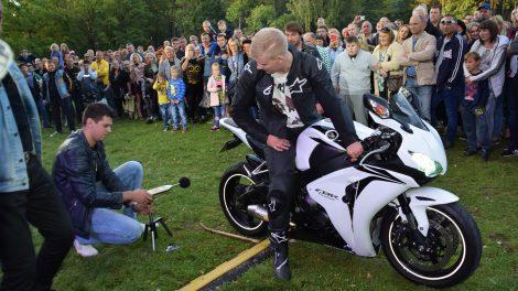 Mažeikius drebino rokas ir motociklų griausmas