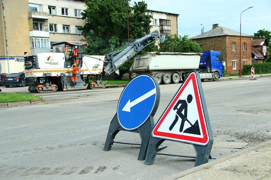 Šiauliuose auga gatvių asfaltavimo mastai