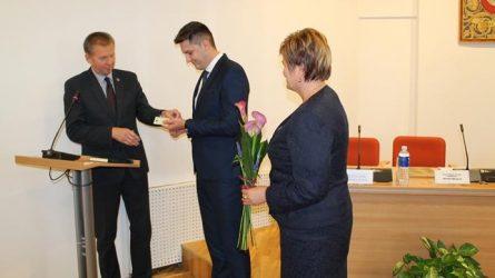 Tauragės rajono savivaldybės tarybos posėdyje prisiekė naujas tarybos narys