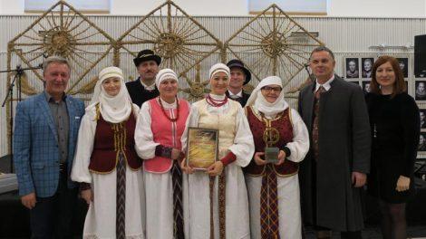 """Respublikinis istorinės dainos konkursas """"Aušta aušrelė"""": Joniškyje dainavo visa Lietuva"""