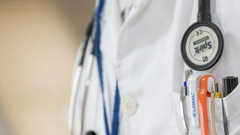 """Dviems VšĮ """"Vilkaviškio ligoninė"""" medikams – kaltinimai dėl kyšininkavimo"""