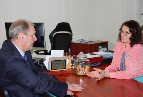 Savivaldybėje lankėsi Valstybės vaiko teisių apsaugos ir įvaikinimo tarnybos direktorė Ž. Žukauskaitė-Kasparienė