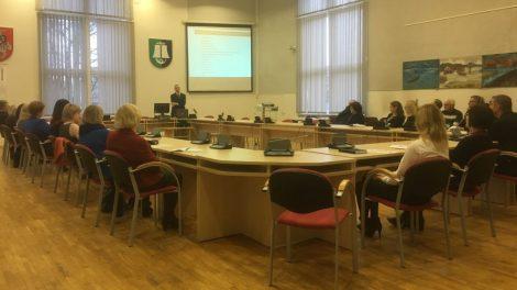 Šilutės rajono savivaldybės darbuotojai ir įstaigų atstovai išklausė paskaitą apie korupciją
