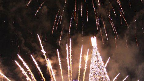 Druskininkuose įžiebta didžioji Kalėdų eglė