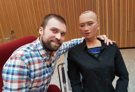 Lietuvoje humanoidė Sofija pirmą kartą nusifilmavo seriale