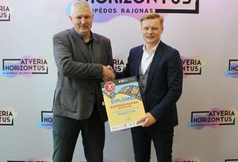 Klaipėdos rajono savivaldybei įteiktas Lietuvos seniūnijų sporto žaidynių nugalėtojų diplomas