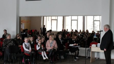 Vilkaviškio dekanato religinės literatūros skaitovų konkurse pasirodė 50 skaitovų iš viso rajono