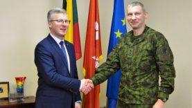 Aptartas tolimesnis bendradarbiavimas su kariškiais
