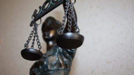 Teismui perduota byla dėl galimo šiauliečių regėjimo sutrikimų simuliavimo