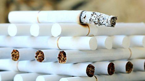 Kaltinimai cigarečių kontrabanda atvedė į teismą