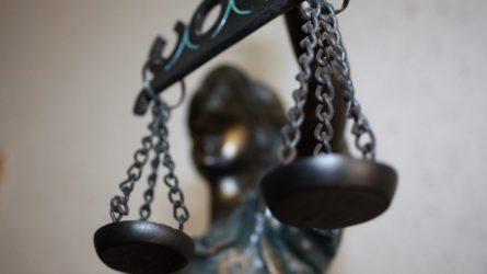Buto pirkėjus mulkinęs ir sau naudos siekęs telšiškis stos prieš teismą