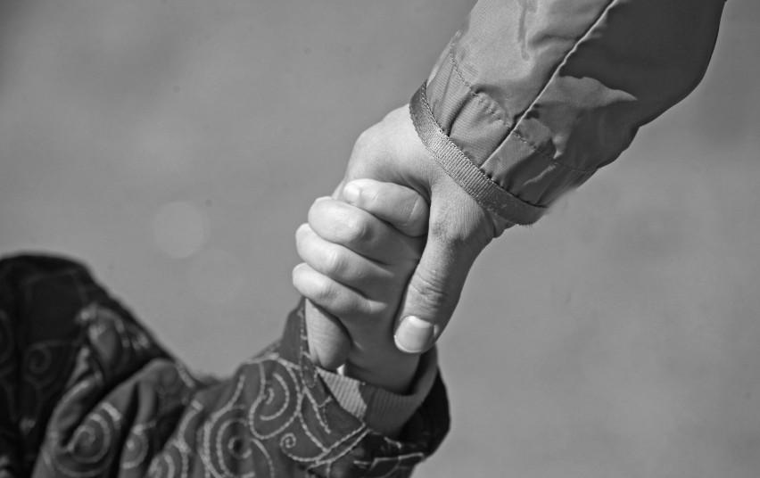 Padėkime vaikams užaugti šeimoje: ieškomi laikinieji vaikų globotojai