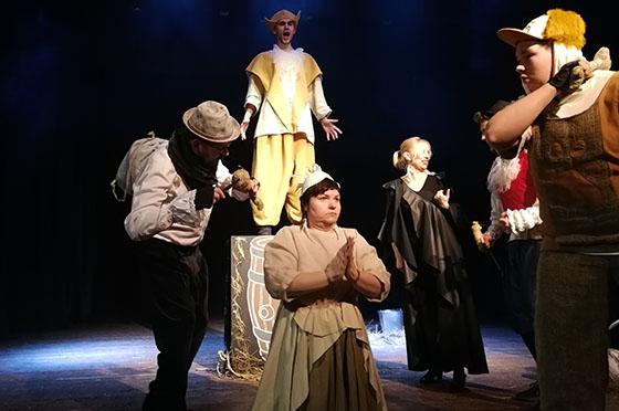 Mėgėjų teatrų šventė Alksniupiuose subūrė mėgėjų teatro entuziastus