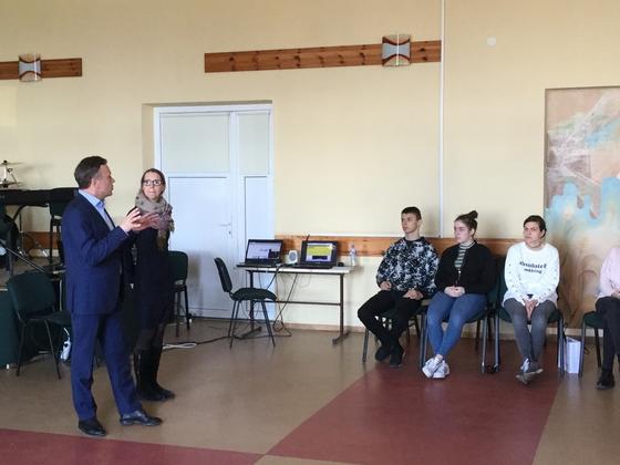 Būsimi verslininkai iš Makedonijos, Kroatijos ir Lietuvos įgūdžių semiasi Lizdeikos gimnazijoje
