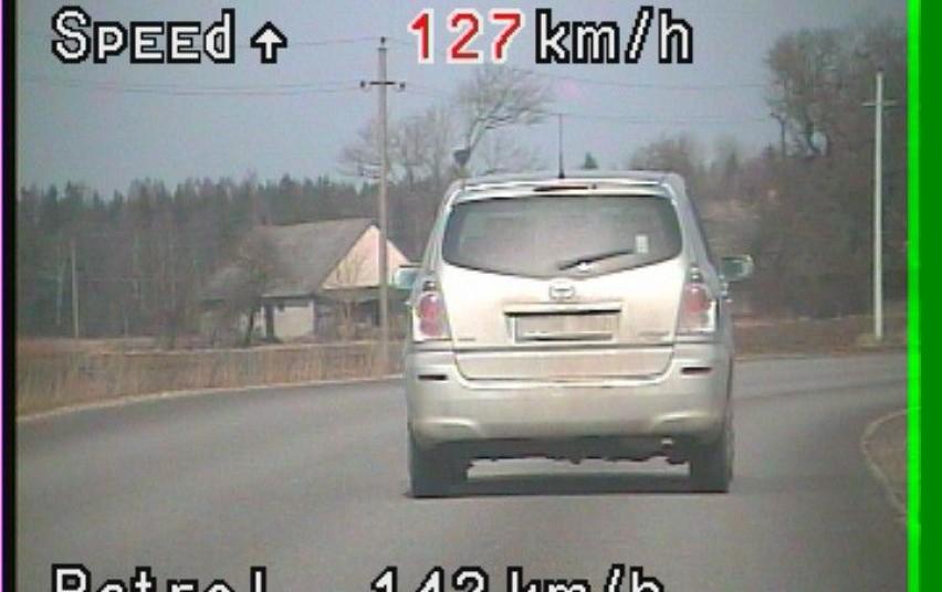 Telšių apskrities vyriausiojo policijos komisariato Kelių policijos skyriaus pareigūnai aktyviai gaudo greičio mėgėjus