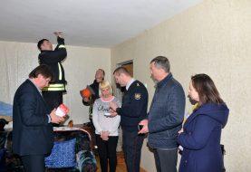 Akmenės rajono savivaldybė nupirko dešimteriopai daugiau dūmų detektorių