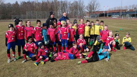 Jaunieji Radviliškio futbolininkai turnyre Švedijoje garsino Radviliškio vardą