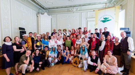 """Festivalis """"Skamba skamba kankliai"""": folkloras peržengiantis amžių ir šalių ribas"""