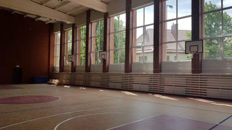 Atnaujinta Simono Dacho progimnazijos sporto salė