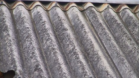Kviečiame aktyviau naudotis galimybe nemokamai sutvarkyti asbesto turinčių gaminių atliekas