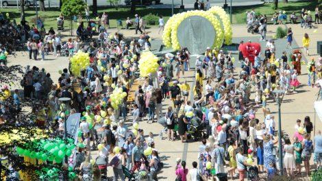 """Šiaulius geltonai nuspalvino šventė """"Aš – mažasis šiaulietis"""""""