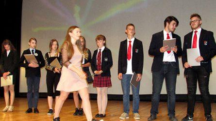 Pagerbti Radviliškio rajono mokiniai, geriausiai pasirodę rajoninėse olimpiadose