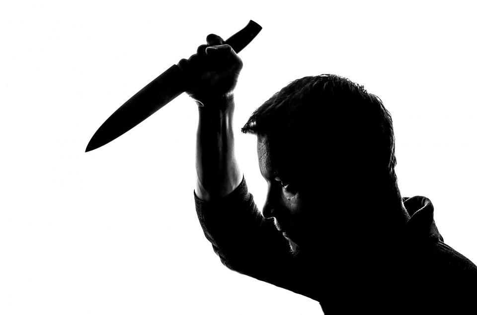 Baigta pasikėsinimo itin žiauriai nužudyti savo artimąjį byla