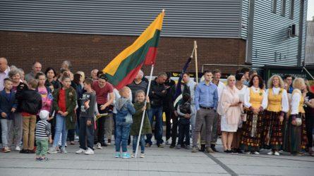 Lietuvos himną giedojome kartu su viso pasaulio lietuviais
