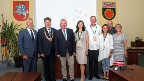 Savivaldybės merą Vitalijų Mitrofanovą pasveikino kolega iš Vokietijos