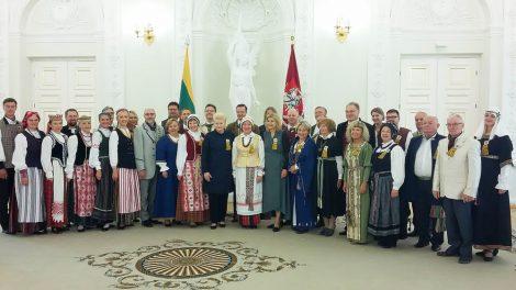 Dainų šventė prasidėjo. Tarp Prezidentūroje pagerbtų šventės dirigentų – du Šiaulių universiteto atstovai